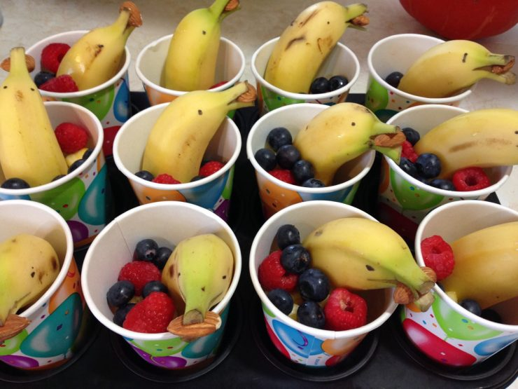 Obst im Becher