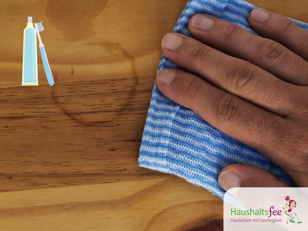Zahncreme zum Reinigen und Pflegen von Holz