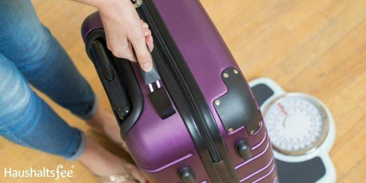 Koffer wiegen und Höchstgewicht für den Flug beachten