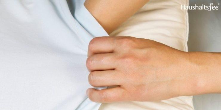 Sauberes Bett: Beziehe Bettdecke und Kissen regelmäßig frisch