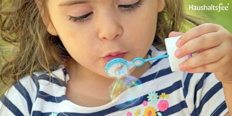 Seifenblasenflecken entfernen