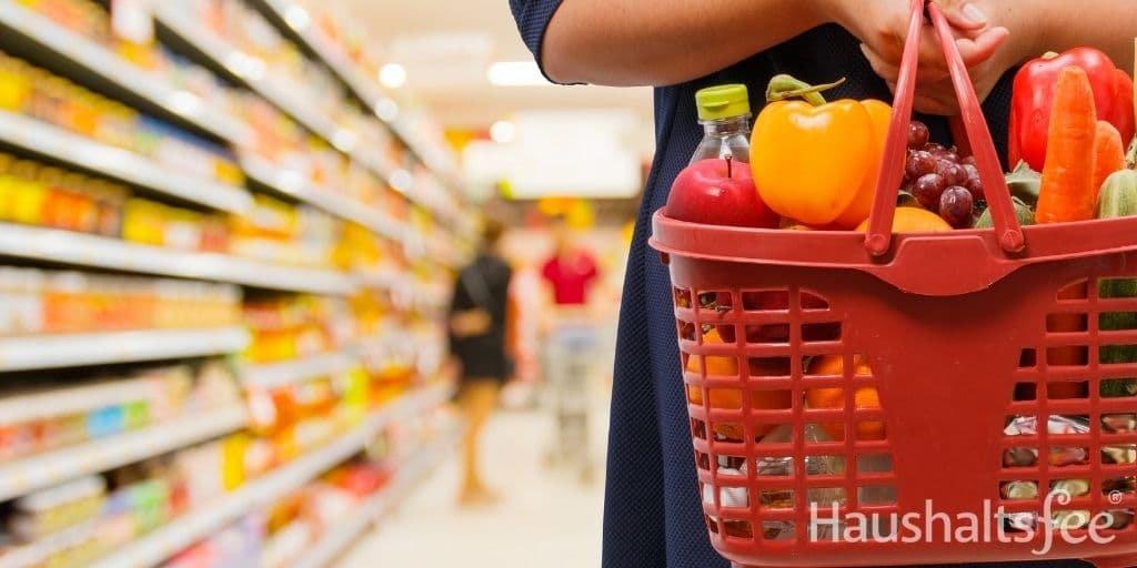 Geld sparen Haushalt beginnt beim Einkaufen im Supermarkt